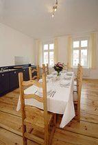 Apartment Berlin Prenzlauer Berg Kueche mit Essplatz