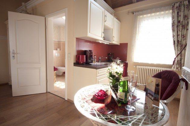 Warnemünde Apartment Romantik Küchenzeile