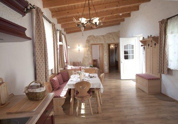 Warnemünde Apartment Kaisersuite Sissi Wohnbereich