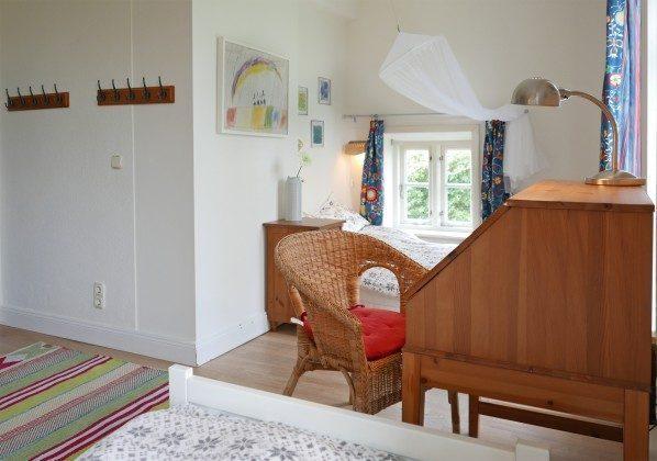 Schlafzimmer 2 Ferienhaus Alte Schule Tetenbüll nahe St. Peter Ording Ref. 2610-1