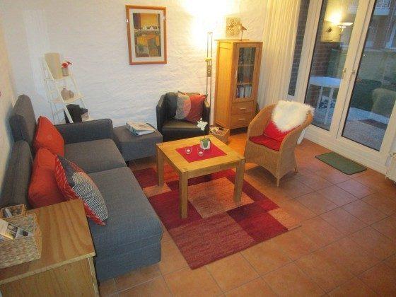 Wohnzimmer mit neuen Sitzmöbeln