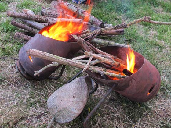 Bild 15 - Feuerschalen aus Kompressorhälften