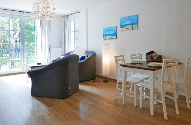 """Wohnbereich Ferienwohnungen Baabe """"Arkona"""" im Aparthotel Inselparadies"""