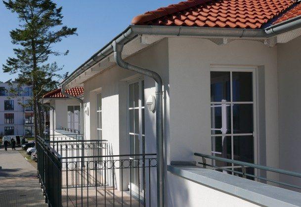 """Blick zum Balkon Ferienwohnungen Baabe """"Arkona"""" im Aparthotel InselparadiesFerienwohnungen Baabe """"Arkona"""" im Aparthotel Inselparadies"""