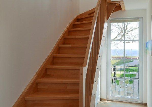 Treppe nach oben Ferienwohnung Baabe Leuchtturm Turmzimmer
