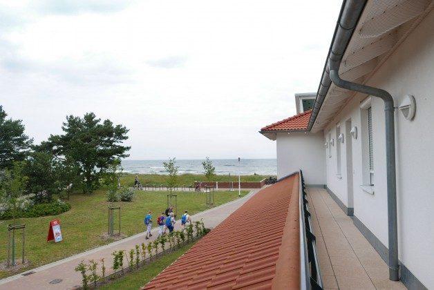 """Blick vom Eingang auf das Meer  Ferienwohnung Rügen Baabe """"Jasmund"""