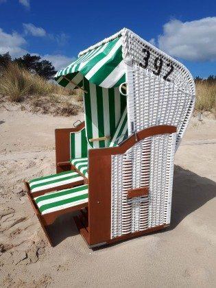 Gästestrandkorb am Strand, saisonbedingt