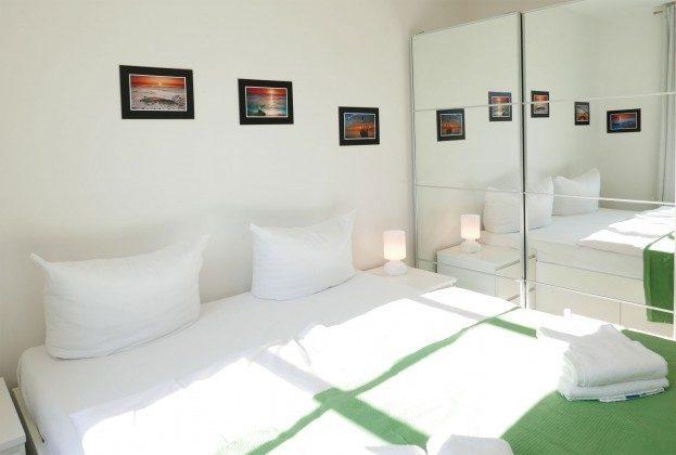 Schlafzimmer 1  Haus Meeresblick Ferienwohnung Bernstein A 2.30