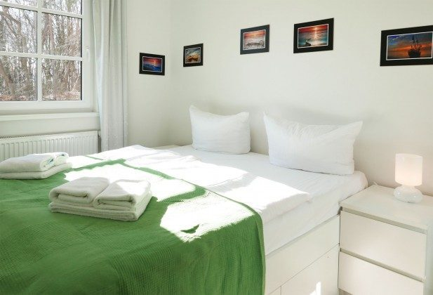 Schlafzimmer 1 Meeresblick Ferienwohnung Bernstein A 2.30