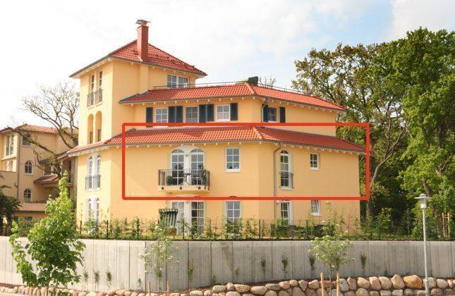 Haus B von aussen Rügen Ferienwohnung Strandburg Ref. 136069