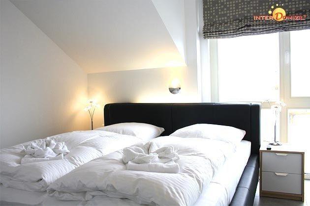 Schlafzimmer 1 Dachgeschosswohnung Strandvilla Baabe Ref. 159404