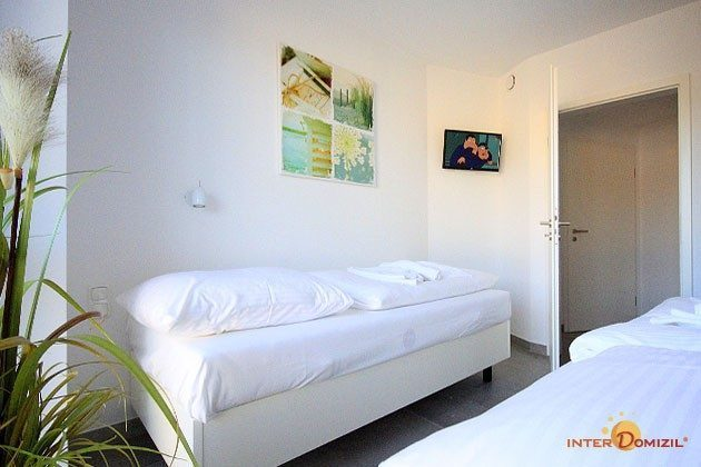 Schlafzimmer 2 Dachgeschosswohnung Strandvilla Baabe Ref. 159404