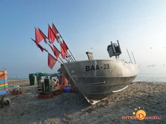 Am Strand von Baabe - Fischerboote