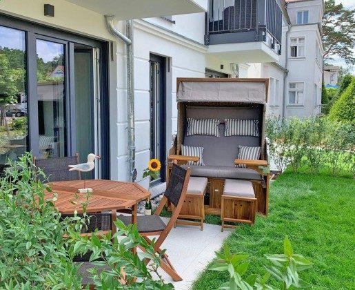 """Terrasse mit Strandkorb Baabe, Ferienwohnung 43 """"Lebensfreude"""" Ref. 211411"""