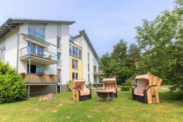 Ansicht und Garten Haus Sellin Fewo Segeljolle Ref: 96171-2
