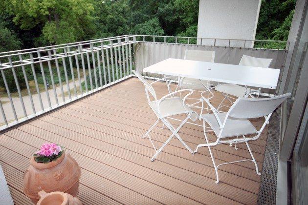 Auf dem Balkon Warnemünde Ferienwohnung Kranich Ref: 179214