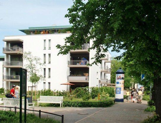 Blick Warnemünde Residenz im Kurpark