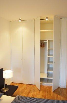 Kleiderschrank Ferienwohnung Warnemünde Residenz im Kurpark 49585-1