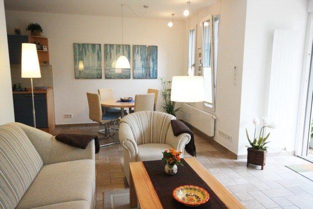 Warnemünde Residenz im Kurpark - Wohnzimmer und Essbereich - Ref. 71003-1