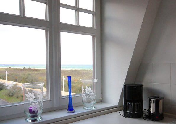 Blick aus der Küche - Ferienwohnung am Strand
