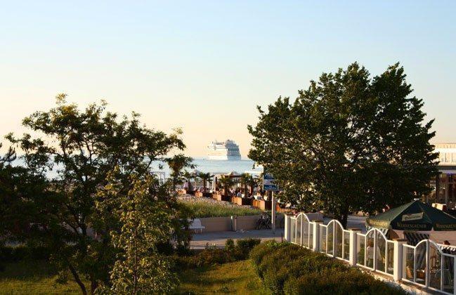 Warnemünde Ferienwohnung  Seeblick 1 Blick von Terrasse