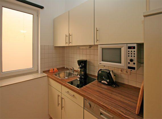 Warnemünde Apartment  Küchenzeile