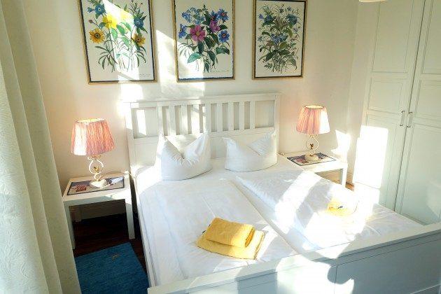 3-Zimmer-Ferienwohnung - Blick ins Schlafzimmer 1 3-Zimmer-Ferienwohnung - Schlafzimmer 1