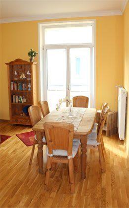 Ferienwohnung Warnemünde Wohnzimmer Essbereich Ref. 99492