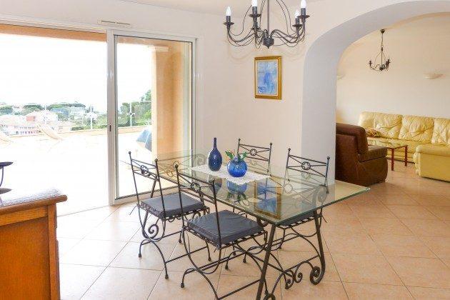 Wohn-Essbereich im Ferienhaus in Les Issambres