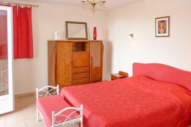 Schlafzimmer im OG im Ferienhaus in Les Issambres