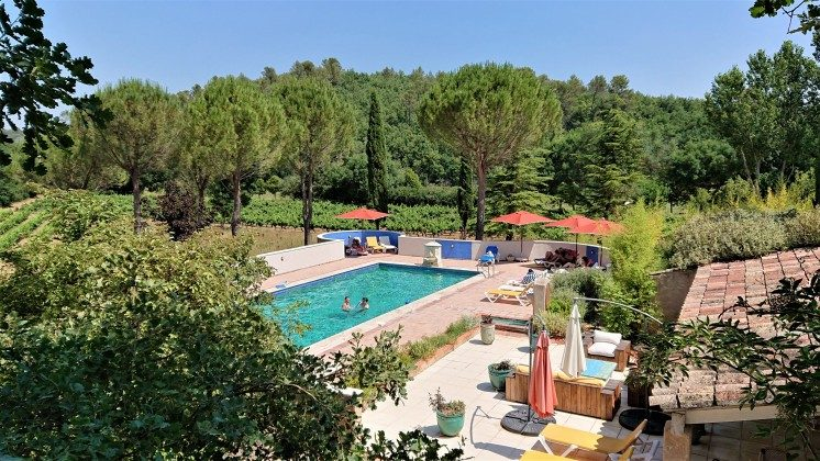 Frankreich Provence Schwimmbad