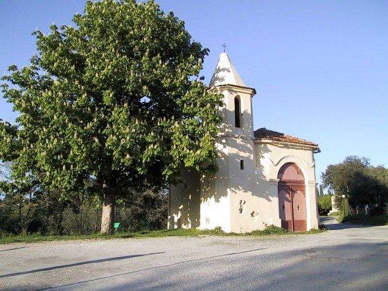 Chapelle St. Anne, Nahe am Haus