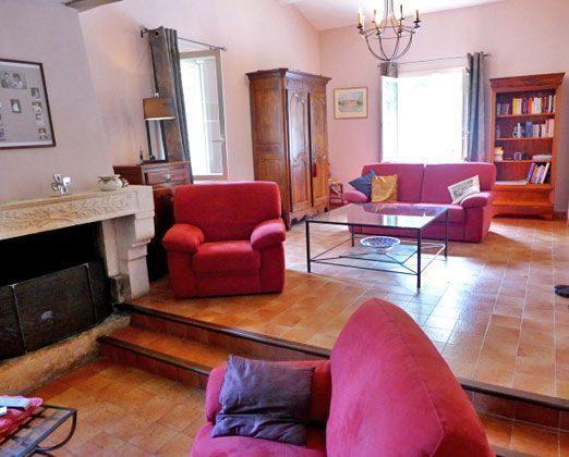 Wohnzimmer mit Kamin Maubec Ferienhaus Ref.:95515-7 Frankreich