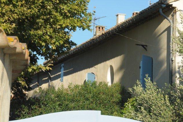 In Grün gebettetes Bauernhaus