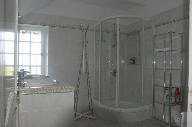 Neues Bad mit Doppelwaschtisch