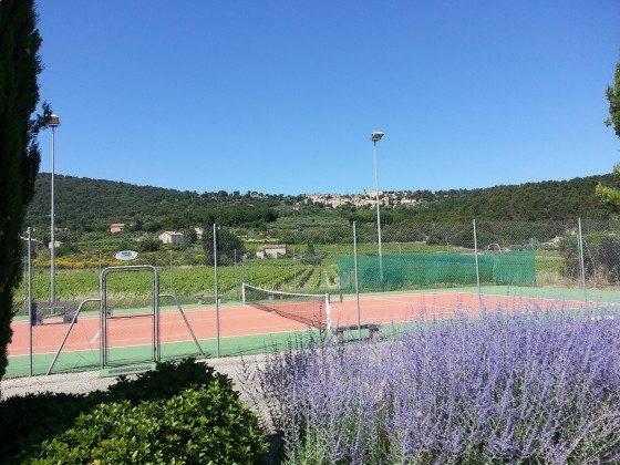 Tennis auf 100 m