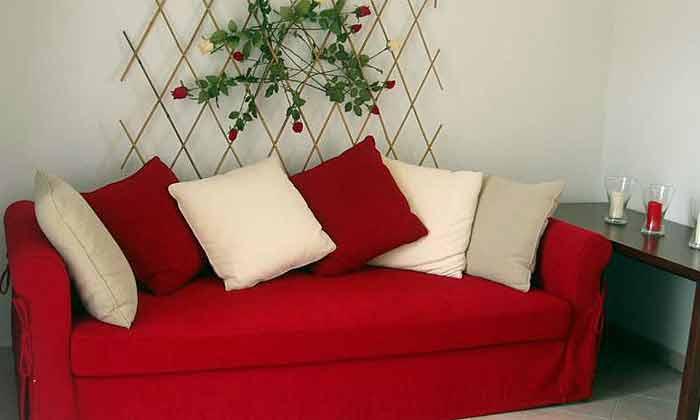 Schlafcouch im Wohnraum Wohnbeispiel 1 - Objekt 2865-1