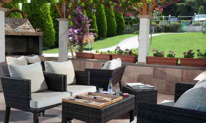 Grillterrasse mit Blick in den Garten - Objekt 2865-1