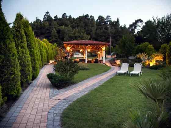 Pavillon im gro�en Garten