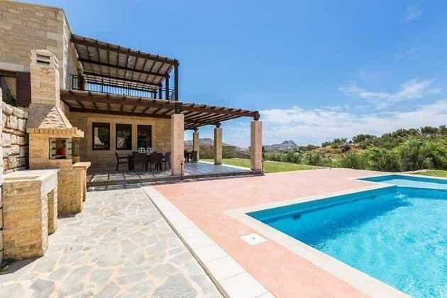 Terrasse und Pool - Bild 1 - Objekt 174945-11