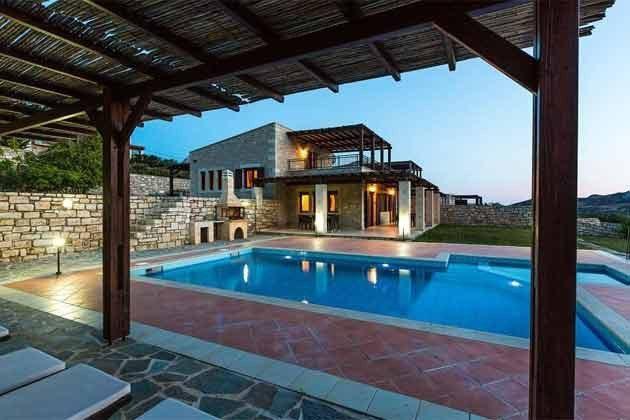 Terrasse und Pool - Bild 2 - Objekt 174945-11