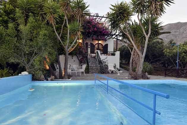 Blick vom Pool auf die Villa - Objekt. 174945-3