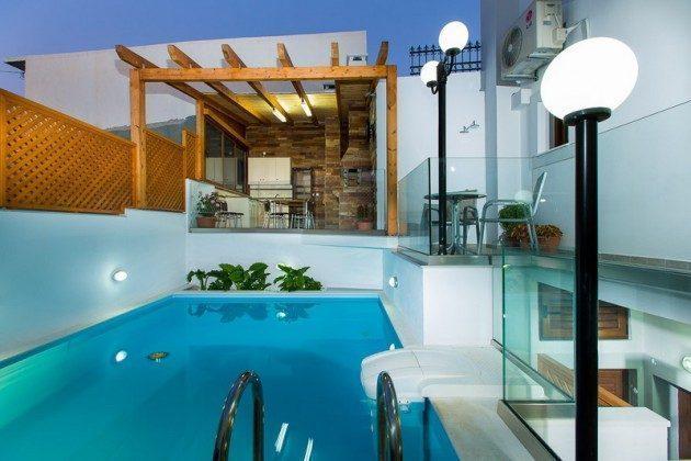 Pool und Sommerk�che