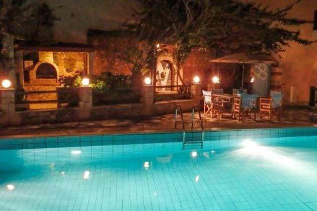 Poolbereich bei Nacht - Objekt 174945-9