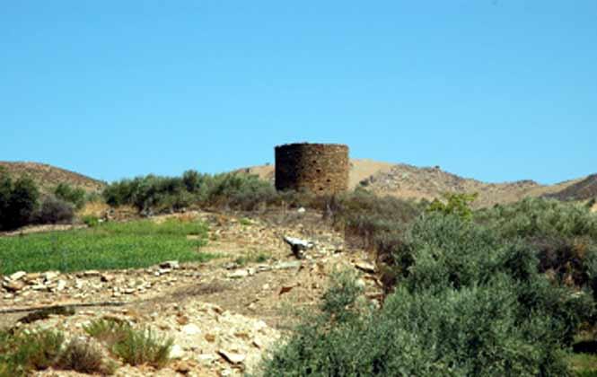 alte Mühle in unmittelbarer NäheZufahrt zauf das Grundstück - Objekt 88634-3