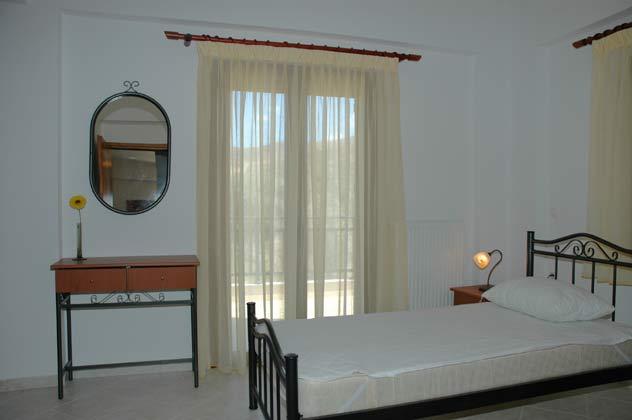Schlafzimmer 1 von 4 - Objekt 88634-3