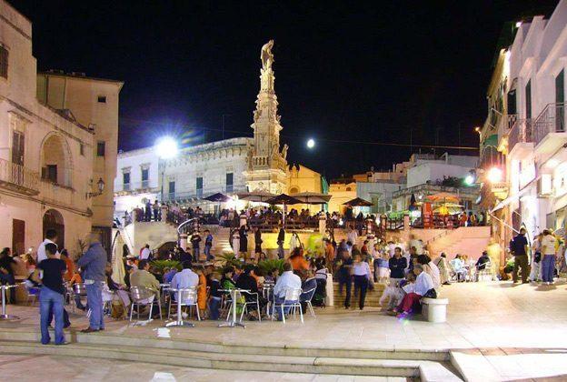 Ostuni: Piazza Liberta