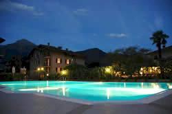 Comer Seen Pool bei Nacht