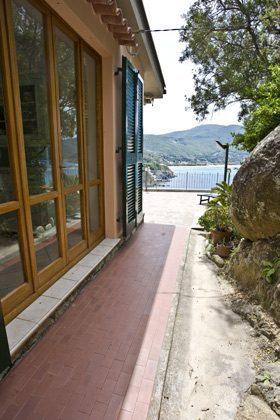 Hausansicht a Ferienwohnung Elba Villino Forno 2598-29