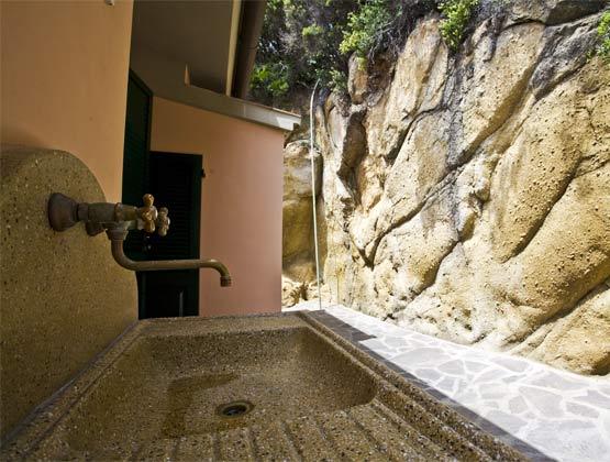 Waschplatz draussen Ferienwohnung Elba Villino Forno 2598-29